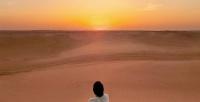https://do5ctr7j643mo.cloudfront.net/wp-content/uploads/2019/03/01195249/girl-alone-desert-sunset-sand.jpg