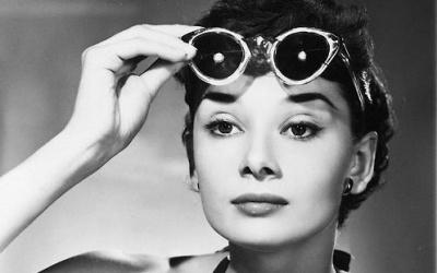 Audrey Hepburn beach style 3