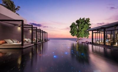 Aleenta Hotel Phuket Pool