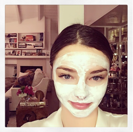 3 diy anti aging face mask recipes that actually work savoir flair miranda kerr face mask solutioingenieria Images