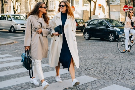 Outfit Ideas: How to Wear Sneakers to