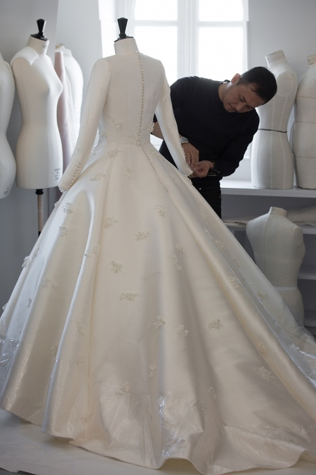 Miranda Kerr Wedding Dress.The Making Of Miranda Kerr S Dior Wedding Gown Savoir Flair