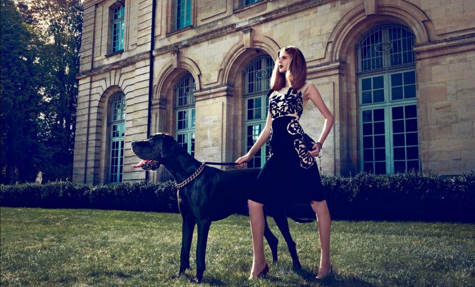 Dress by Bottega Veneta Clutch by Valentino Shoes by Giuseppe Zanotti Vintage necklace