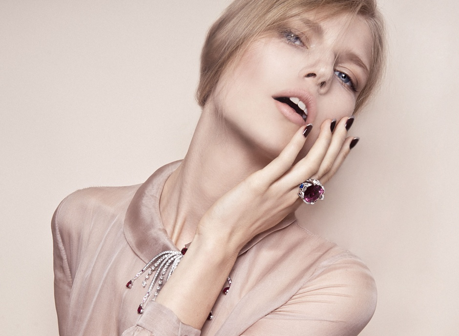 Dress by VALENTINO; Necklace and ring by PIAGET