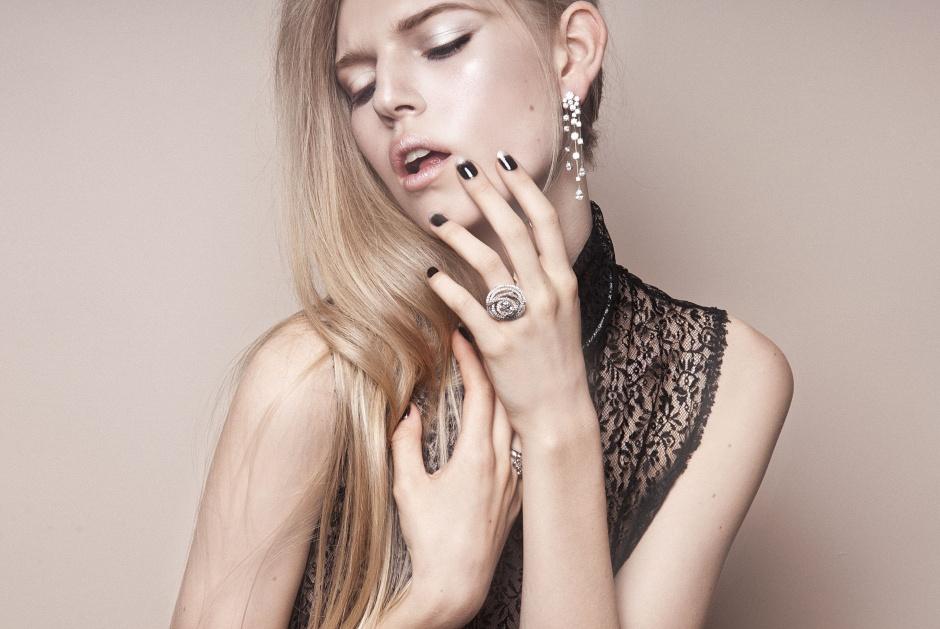 Dress by BOTTEGA VENETA; Earrings and rings by CHANEL JOAILLERIE