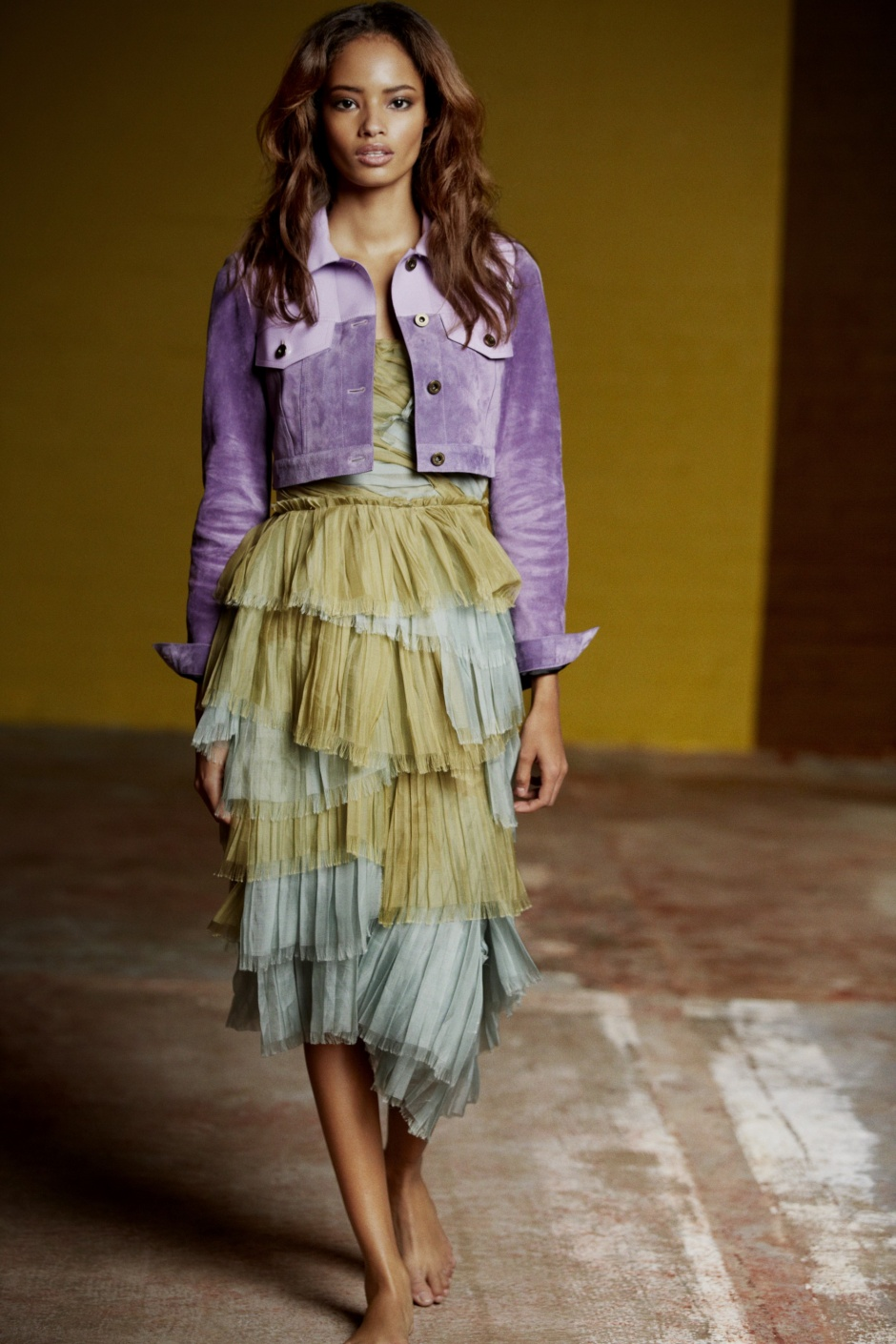 Discover Burberry Prorsum's Romantic Spring 2015 Collection