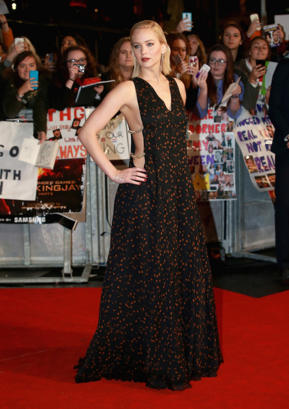Jennifer Lawrence wearing a Dior Couture gown at the 'The Hunger Games: Mockingjay Part 2' premiere